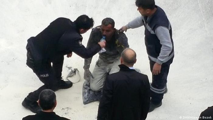 Türkei Adem Yarıcı verbrennt sich selbst in der Provinz Hatay