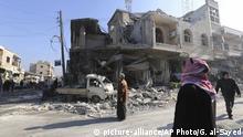 Syrien Saraqib Provinz Idlib Zerstörungen nach Luftangriffen