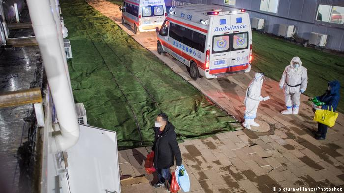 У Китаї кількість інфікованих новим коронавірусом вже перевищила 37 тисяч осіб