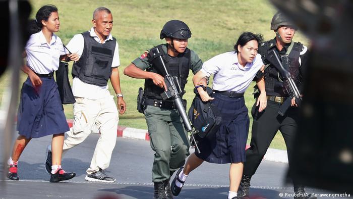 Thailand Tote und Verletzte nach Amoklauf vor Shopping-Center
