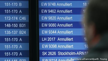 Sturmtief Sabine - Flughafen Düsseldorf (picture-alliance/dpa/D. Young)