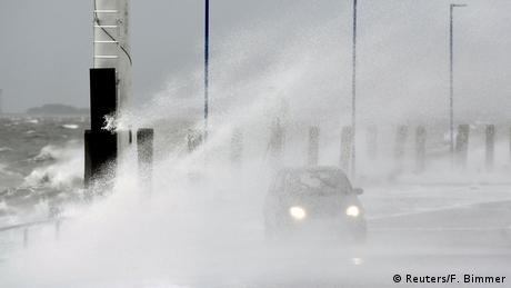 Sturmtief Sabine - Dagebüll (Reuters/F. Bimmer)