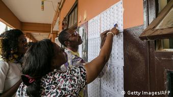 Un bureau de vote dans le ville de Jaunde