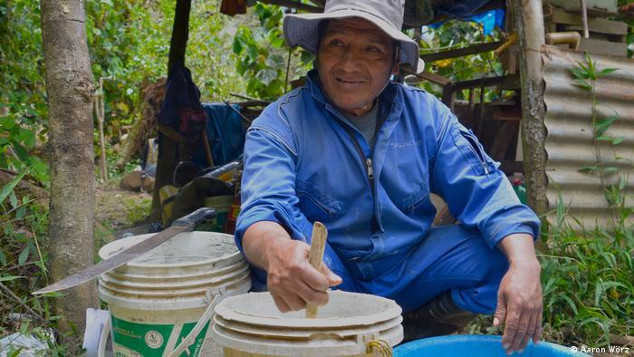 Don Mario ist von Koka auf den Anbau von Kaffee umgestiegen.