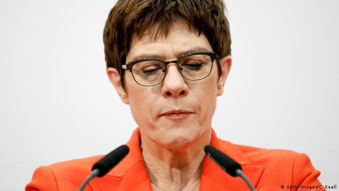 Zbog CDU-a u Tiringiji pala je i šefica CDU-a Annegret Kramp-Karrenbauer