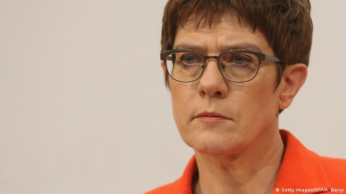 Deutschland Annegret Kramp-Karrenbauer Archivbild (Getty Images/AFP/A. Berry)