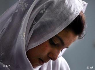 نشطاء حقوق الإنسان في السعودية يسعون لإستصدار قانون يمنع زواج القاصرات