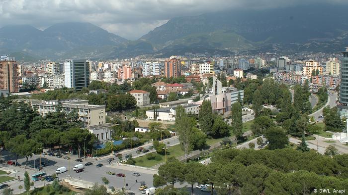 Albanien Stadtansicht Tirana 2006