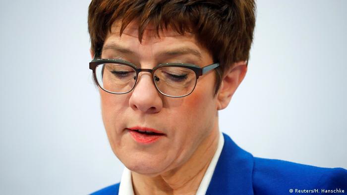 Annegret Kramp-Karrenbauer (Reuters/H. Hanschke)