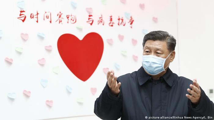 China Peking | Xi Jinping besucht Zentrum für Seuchenkontrolle und -prävention (picture-alliance/Xinhua News Agency/L. Bin)