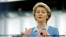 Frankreich Europaparlament Ursula von der Leyen