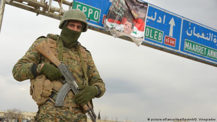 Syrische Regierungstruppen nehmen wichtige Autobahn vollständig ein (picture-alliance/dpa/Sputnik/D. Vinogradov)
