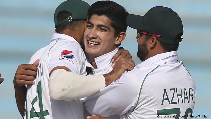 Cricket Naseem Shah (picture-alliance/AP Photo/F. Khan)