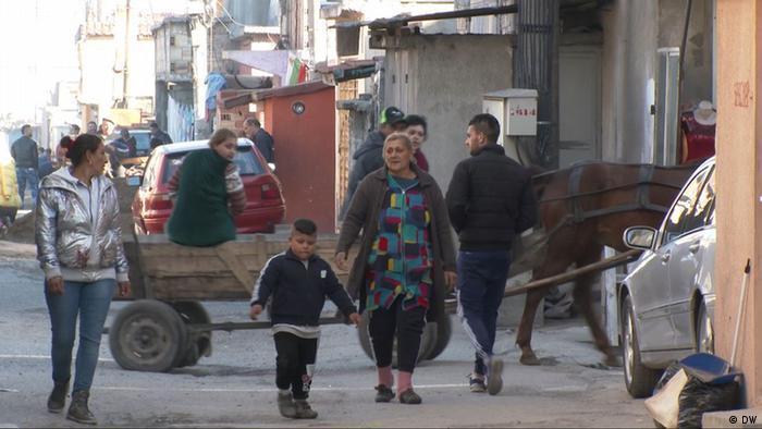 Bulgarien Roma-Kinder bekommen musikalische Ausbildung mit Hilfe von deutschen Spendern