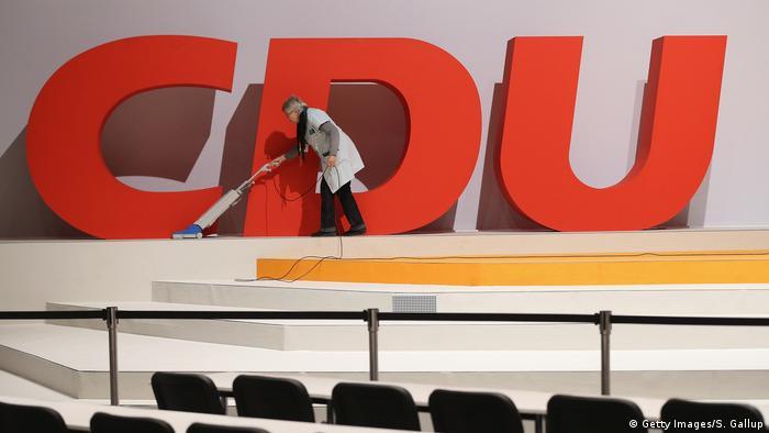 Po rezygnacji Annegret Kramp-Karrenbauer z funkcji szefowej CDU, partia pogrążyła się w kryzysie