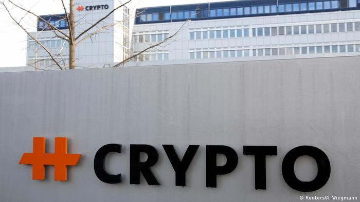 Schweiz Logo Crypto AG in Steinhausen (Reuters/A. Wiegmann)