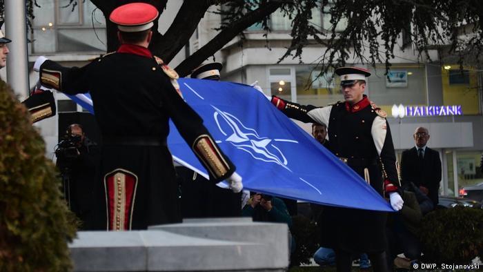 Nord-Mazedonien Skopje NATO Beitritt (DW/P. Stojanovski)