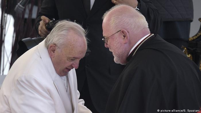 Papież Franciszek odrzucił rezygnację kardynała Marxa