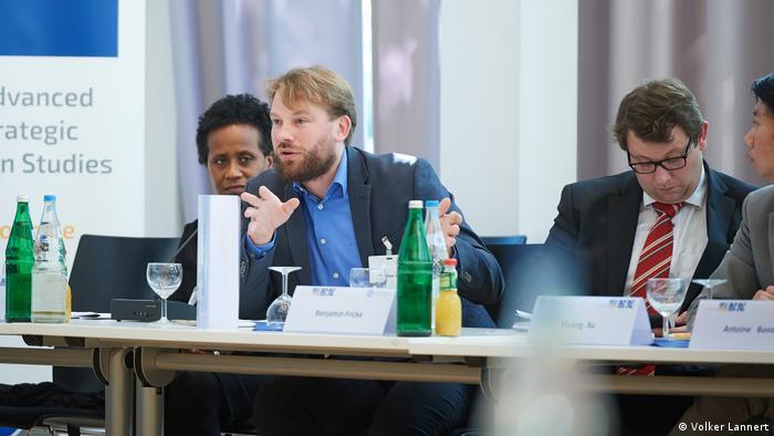 Dr. Maximilian Mayer na konferencji w Bonn (Volker Lannert)