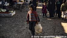 Syrien | Kind mit Kanister im kurdischen al-Hol camp