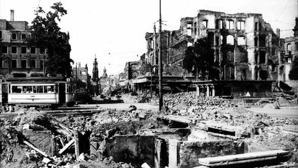 Flash-Galerie Zerstörung Dresdens vor 65 Jahren