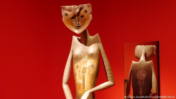 Skulptur mit rundem Gesicht (Schirn Kunsthalle Frankfurt/DW/H.Mund)