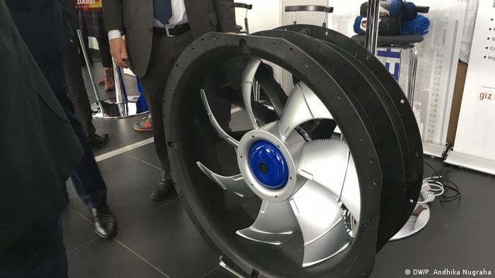Baling-baling, salah satu komponen mesin pembuat es tenaga surya produksi barengan Jerman-Indonesia