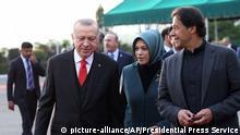 Pakistan Islamabad Besuch Erdogan Präsident Türkei (picture-alliance/AP/Presidential Press Service)
