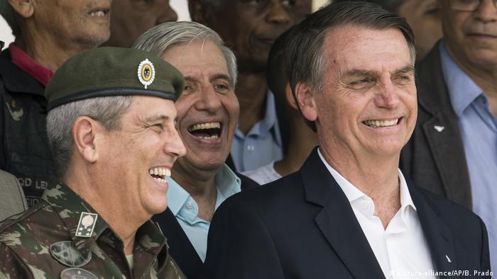 Präsident Bolsonaro und General Walter Souza Braga Netto