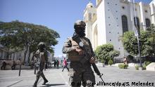 El Salvador: Soldaten patrouillieren auf den Straßen von San Salvador