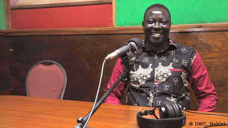 In his reports, radio reporter Jean-Carem Kaboré focuses on solutions rather than problems