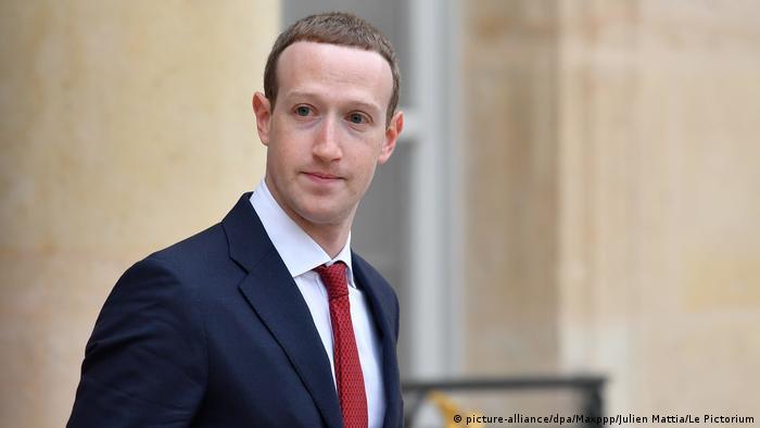 Frankreich Paris | Mark Zuckerberg, CEO Facebook | Treffen mit Emmanuel Macron, Präsident (picture-alliance/dpa/Maxppp/Julien Mattia/Le Pictorium)