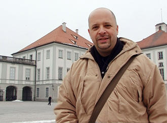 Luciano Tavares in front of Nymphenburg Palace