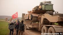 Türkei Streitkräfte schicken Militärfahzeuge an die syrische Grenze