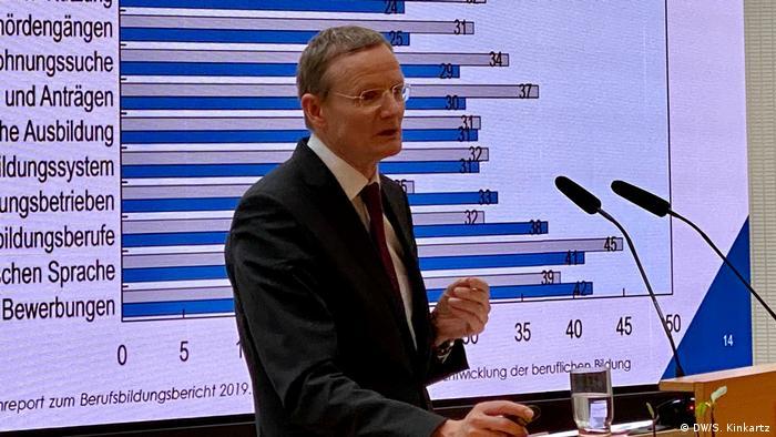 Ludger Schuknecht presentó el estudio de la OCDE en Berlín.