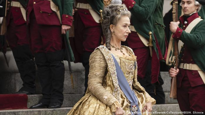 Still from the series 'Catherine the Great' with Helen Mirren (picture-alliance/Everett Collection/HBO/H. Shinnie)