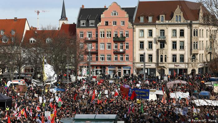 Thousands of protesters gather in Erfurt's cathedral square (Reuters/C. Mang)