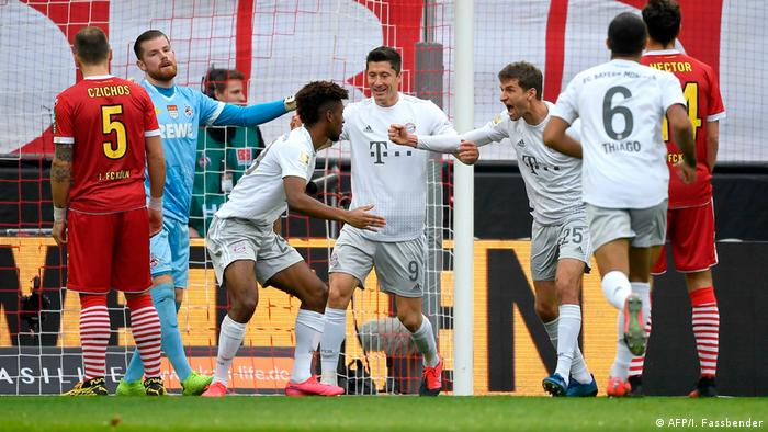 Bundesliga: Bayern Munich crash Cologne carnival