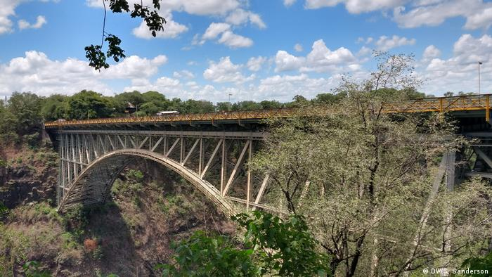 Zimbabwe and Zambia | Victoria Falls Bridge (DW/S. Sanderson)