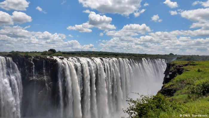 Zimbabwe | Victoria Falls - view of the main falls (DW/S. Sanderson)