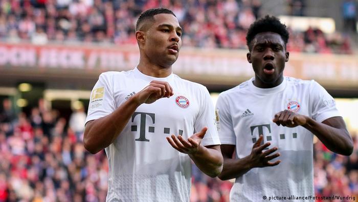 Meisterlicher FC Bayern kontert Konkurrenz