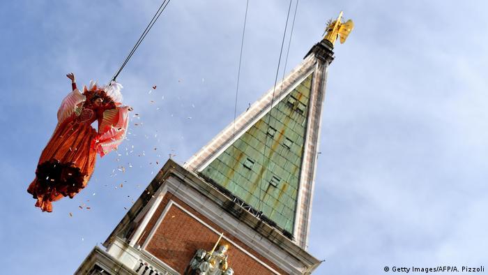 Bild des Tages: Himmlischer Karneval in Venedig