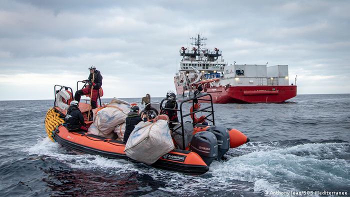 Tägliche Arbeit und Übungen auf dem Seenotrettungsschiff Ocean Viking