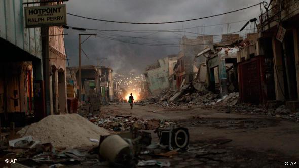 Zerstörte Häuser in Port-au-Prince (Foto: AP)
