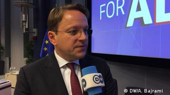 Oliver Varhelyi, EU Kommissionär (DW/A. Bajrami )