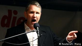 Δικαστική απόφαση επιτρέπει τον χαρακτηρισμό φασίστας για τον Χέκε