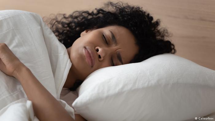 Symbolbild Traum Albtraum Schlafen