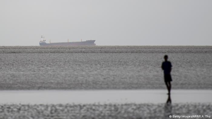 Myanmar Rangun | Geisterschiff Sam Rataulangi PB1600 aus Indonesien (Getty Images/AFP/Y.A. Thu)
