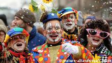 Bayerns Narren feiern ausgelassen