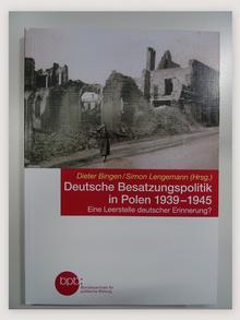 Opracowanie Niemiecka polityka okupacyjna w Polsce 1939-1945
